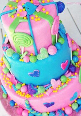 Ребенку торт на день рождения