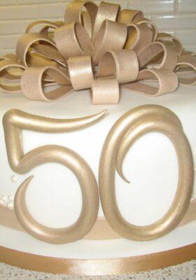 Торт на 50 лет для мужчины или женщины на день рождения