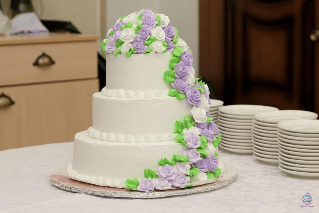 Трехъярусные торты из натуральных ингредиентов