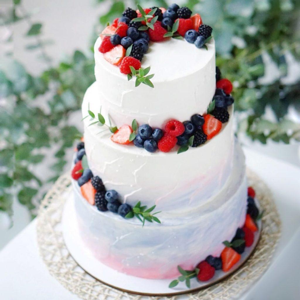 Заказать большой торт купить из натуральных ингредиентов